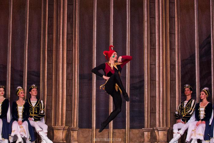 picture St. Petersburg Ballet - největší Labutí jezero