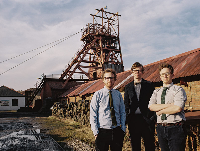 picture PUBLIC SERVICE BROADCASTING / UK