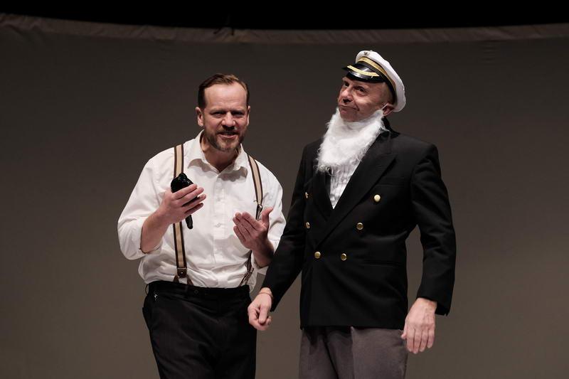 picture Titanic - komedie o nejbezpečnější plavbě všech do