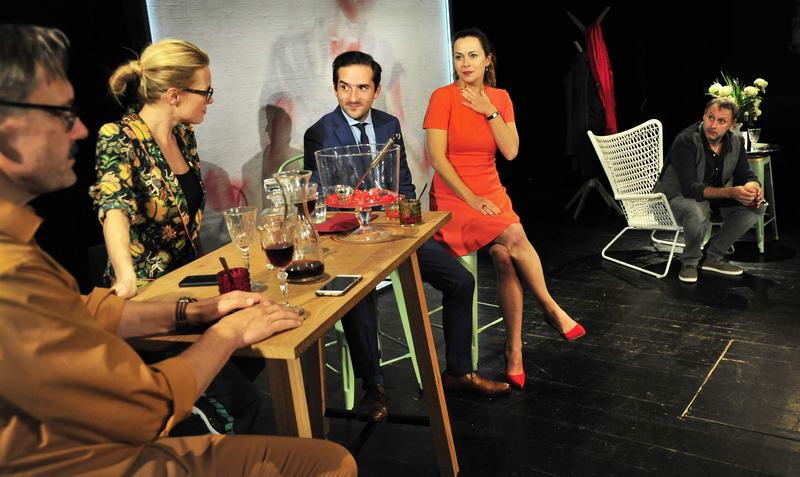 picture Šťastný vyvolený - Moderní francouzká salonní kome