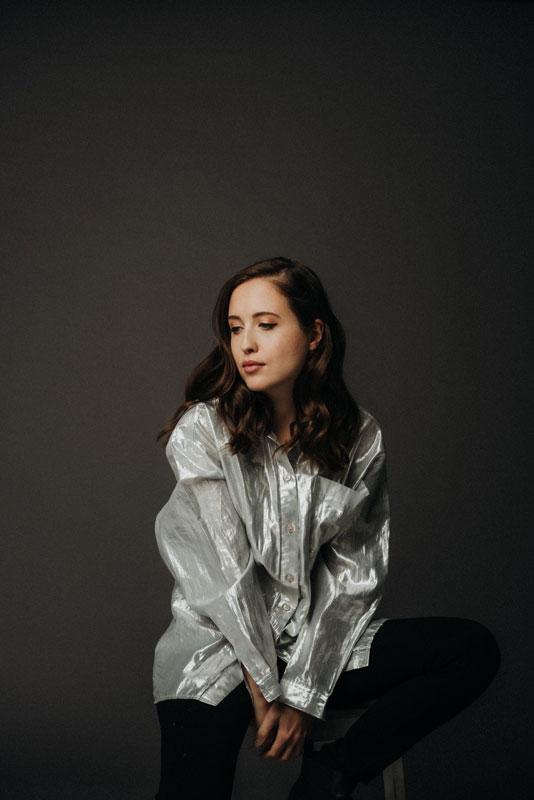 picture Alice Merton