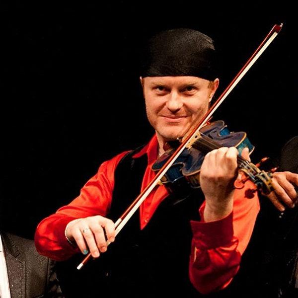 Pavel Šporcl Gipsy Fire, host: Vojtech Szabó